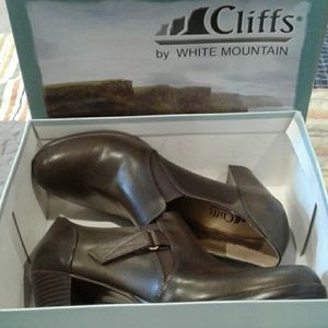 Cliff's by White Mountain heels